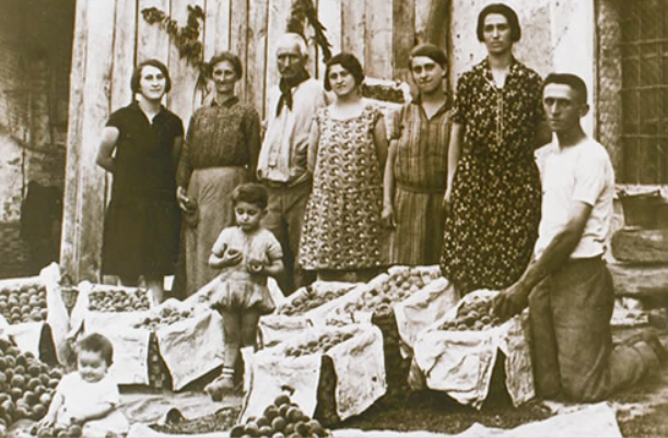 Old Italian family in black and white photo